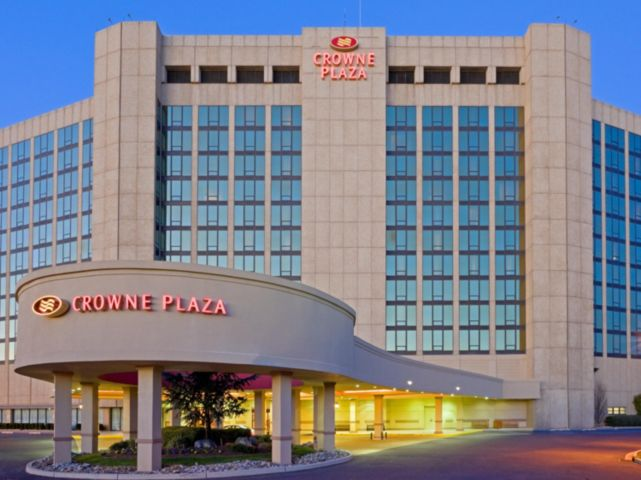 Crowne Plaza Philadelphia Cherry Hill Hotel